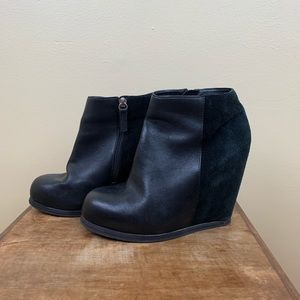 DV Dolce Vita Black suede/ leather wedge booties